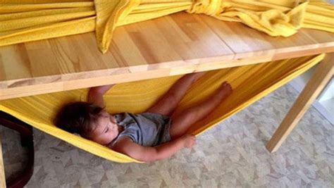 How To Make A Hammock With A Sheet by Make A Child Friendly Hammock With A Bed Sheet And A Table