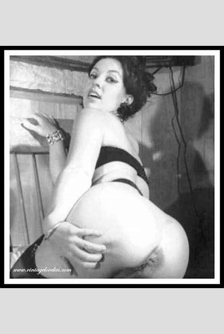 Marilyn Monroe Nude Captions - XXXPornoZone.com