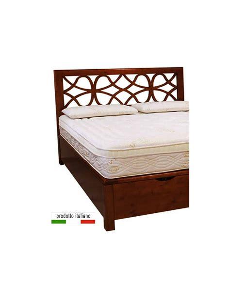 Il letto contenitore è funzionale alla perfetta organizzazione della biancheria da letto e del cambio di stagione. Letto cassettone contenitore in legno massello matrimoniale o altre misure