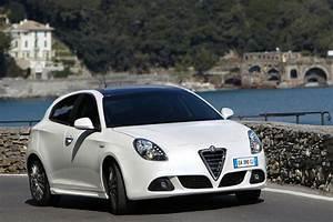 Alfa Romeo Giuletta : car maniax and the future 2011 alfa romeo giulietta picture ~ Medecine-chirurgie-esthetiques.com Avis de Voitures