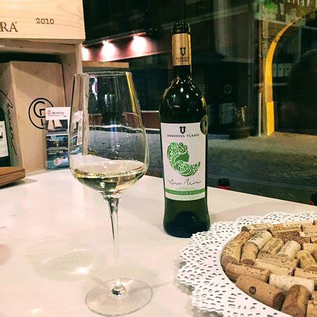 Terroirs Boutique Du Vin, Brasov  Restaurant Avis, Numéro