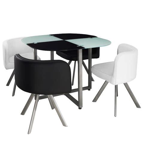 table avec chaise pas cher table scandinave et chaises vintage 90 blanc et noir pas