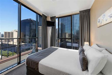 Bedroom Melbourne by Three Bedroom City View Apartment Riverside Apartments