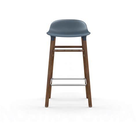 barhocker 65 cm sitzhöhe normann copenhagen form barhocker walnussholzgestell sitzh 246 he 65 cm echte liebe zum design