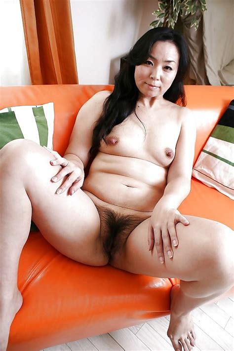 0241000 In Gallery Mature Asian Pussy Picture 4