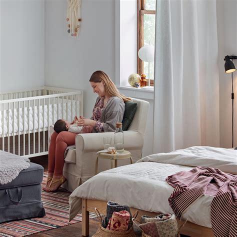 lit bébé chambre parents beautiful amenagement d une chambre bebe dans une chambre