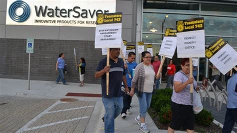 Watersaver Faucet Company Bathroom Breaks by Company Limits Worker Bathroom Use To 6 Minutes A Day