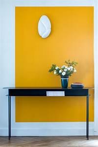 peinture mur de couleur flashy et plafond couleur With choix couleur peinture mur 4 la couleur jaune moutarde pour un interieur chaleureux