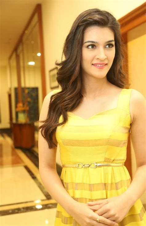 http www 25cineframes images gallery 2015 08 kriti kharbanda kriti sanon photo shoot at dochay audio launch