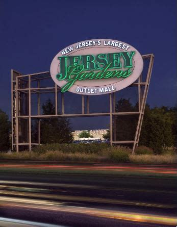 Jersey Gardens Outlet Mall Stores by Shopping En Outlets Jersey Gardens Desde New York Taketours