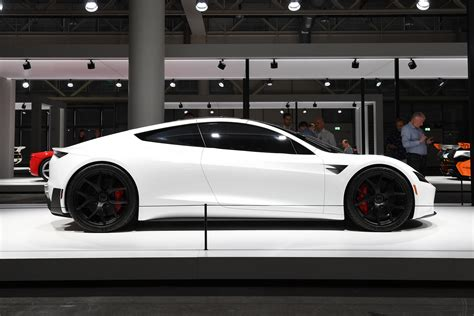 generation tesla roadster unveiled pictures auto