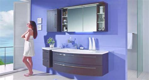 Badezimmermöbel Bunt by Farben Im Badezimmer Der Badm 246 Bel