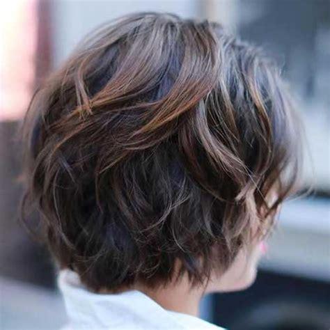 casual bob haircuts  chic ladies short hairstyles    popular short