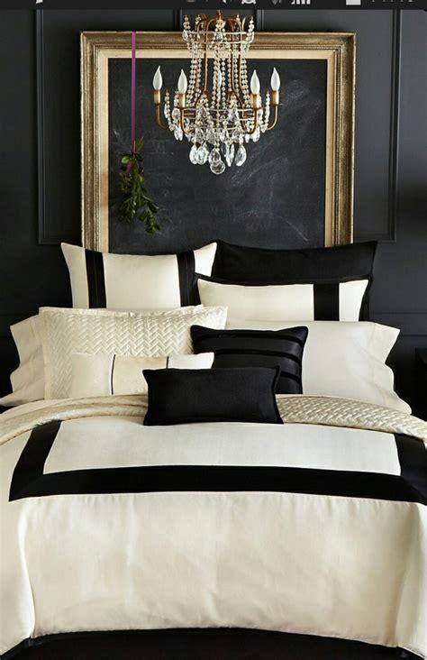chambre noir et blanche décoration noir blanc or e interiorconcept