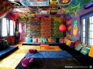 17 best ideas about room on cigar room stoner room and chill room