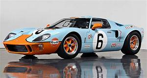 Bask In The Glorious Noise That Is A Ford Gt40