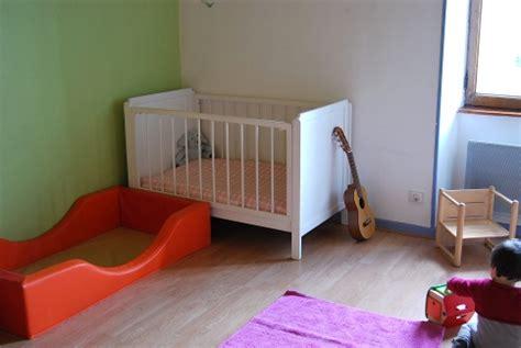 chambre nourrisson merci qui merci montessori lits mixtes
