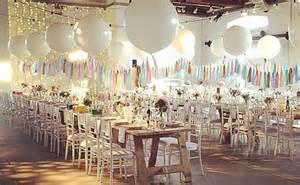 ballon helium mariage ballons a l 39 hélium avec franges décoration de mariage baptême et communion