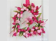 Tulip Heart Valentines Wreath Sand and Sisal
