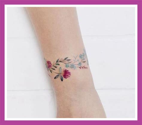 tatuaggi fiori polso tatuaggi bracciali polso 15 immagini trendy