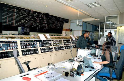 bureau de poste gare de lyon deux postes d aiguillage multifacettes bientôt remplacés