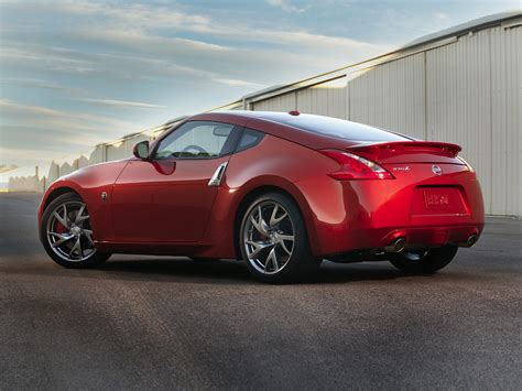 2017 Nissan 370z  Price, Photos, Reviews & Features