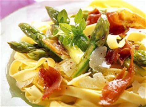 recette tagliatelles aux pointes d asperges copeaux de parmesan et jambon cru