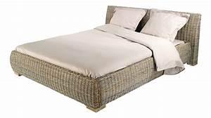 lit en kubu 160x200 cm With tapis couloir avec canapé osier rotin 2 places