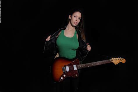 Luciana Air Guitar Part Dromm Girls