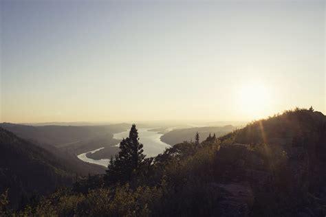 gambar pemandangan horison gunung langit matahari