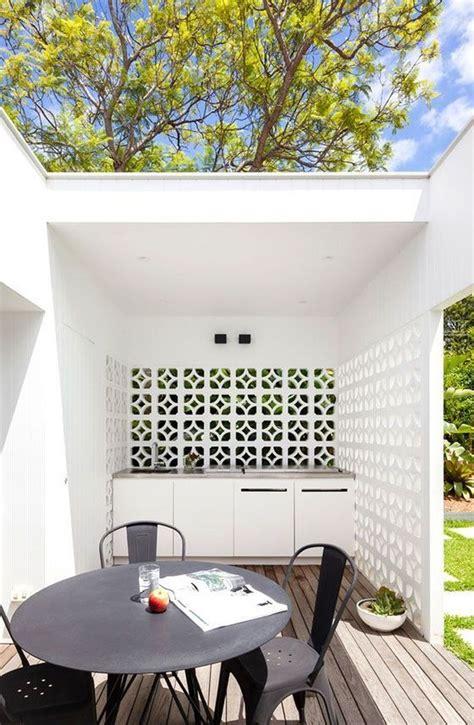 fancy breeze block wall backyard ideas