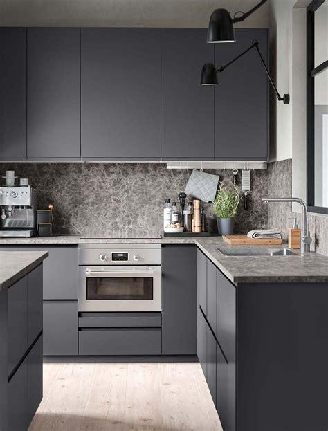 Ikea makes getting a sleek european kitchen affordable. VOXTORP Kitchens in 2020 | Kitchen design, Grey kitchen ...
