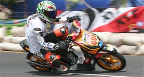 Modifikasi Beat Road Race by Modifikasi Honda Beat Barsaxx Speed Concept