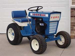 Forde 100 lawn garden tractor ford blue ford tractors for Ford garden tractor