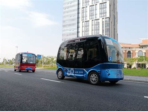 baidu joins forces with softbank s sb drive king to bring apollo powered autonomous buses