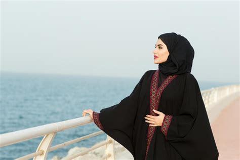 bonne methode pour porter le voile avec une abaya mode