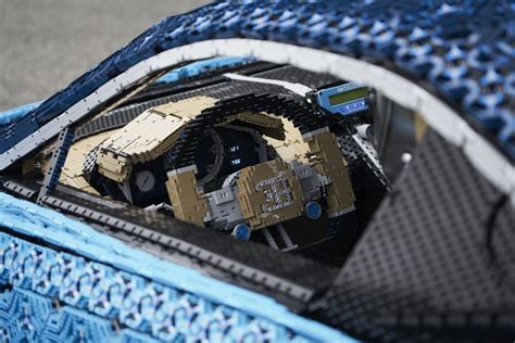 Packed with 2,304 motors and 4,032 lego technic gear wheels, the engine of this 1.5 tonnes car is generating 5.3 horse power and an estimated torque. LEGO Unveils Full-Size, Driveable Bugatti Chiron - autoevolution