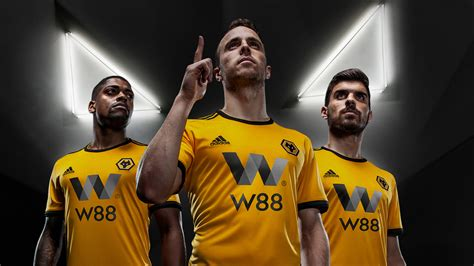 Wolves Football Club Gets Rebrand Centred On 3d Wolf Head