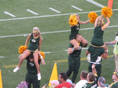 green bay packers cheerleaders  zac bonenberger flickr