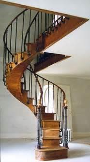Balancement Escalier Colimaçon by Les 25 Meilleures Id 233 Es Concernant Escalier Colima 231 On Sur