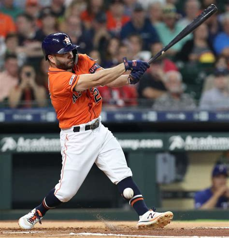 astros jose altuve remains  injured list  aledmys
