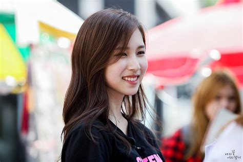 TWICE's Mina caught being a video game playing, anime ...