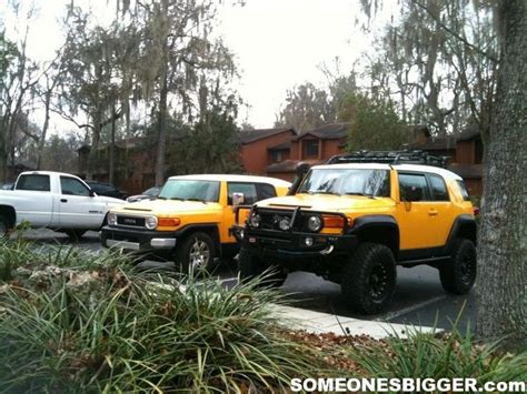 stock jeep vs lifted stock fj vs lifted fj cruiser2 first things first