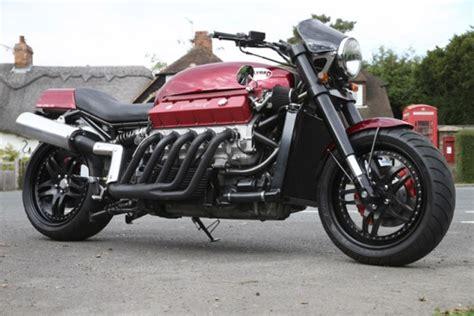 V10 Engine + Motorcycle = Insane 200mph