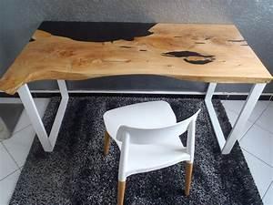 Table En Bois Et Resine : bureau bois et r sine wooden and resin desk table bois et r sine wood and resin table en ~ Dode.kayakingforconservation.com Idées de Décoration