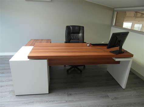 pc bureau sur mesure but bureau bureau droit best lak blanc laqu bureaux but