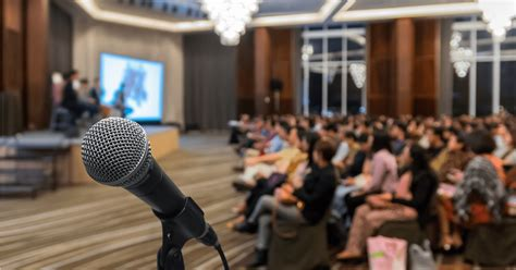 top reasons  seo professionals attend  conference