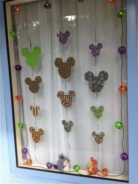When Do Disney Hotels Decorate For - 62 best disney window images on disney travel