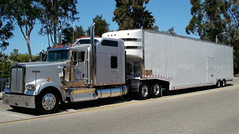 Enclosed Auto Transport & Enclosed Vehicle Shipping