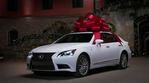 lexus bow lexus december to remember tv commercial 39 bow artistry